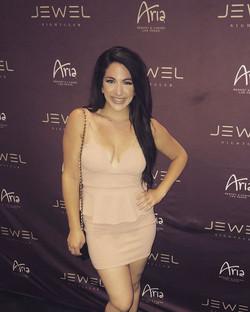 Celebrity Matchmaker, Alessandra Con