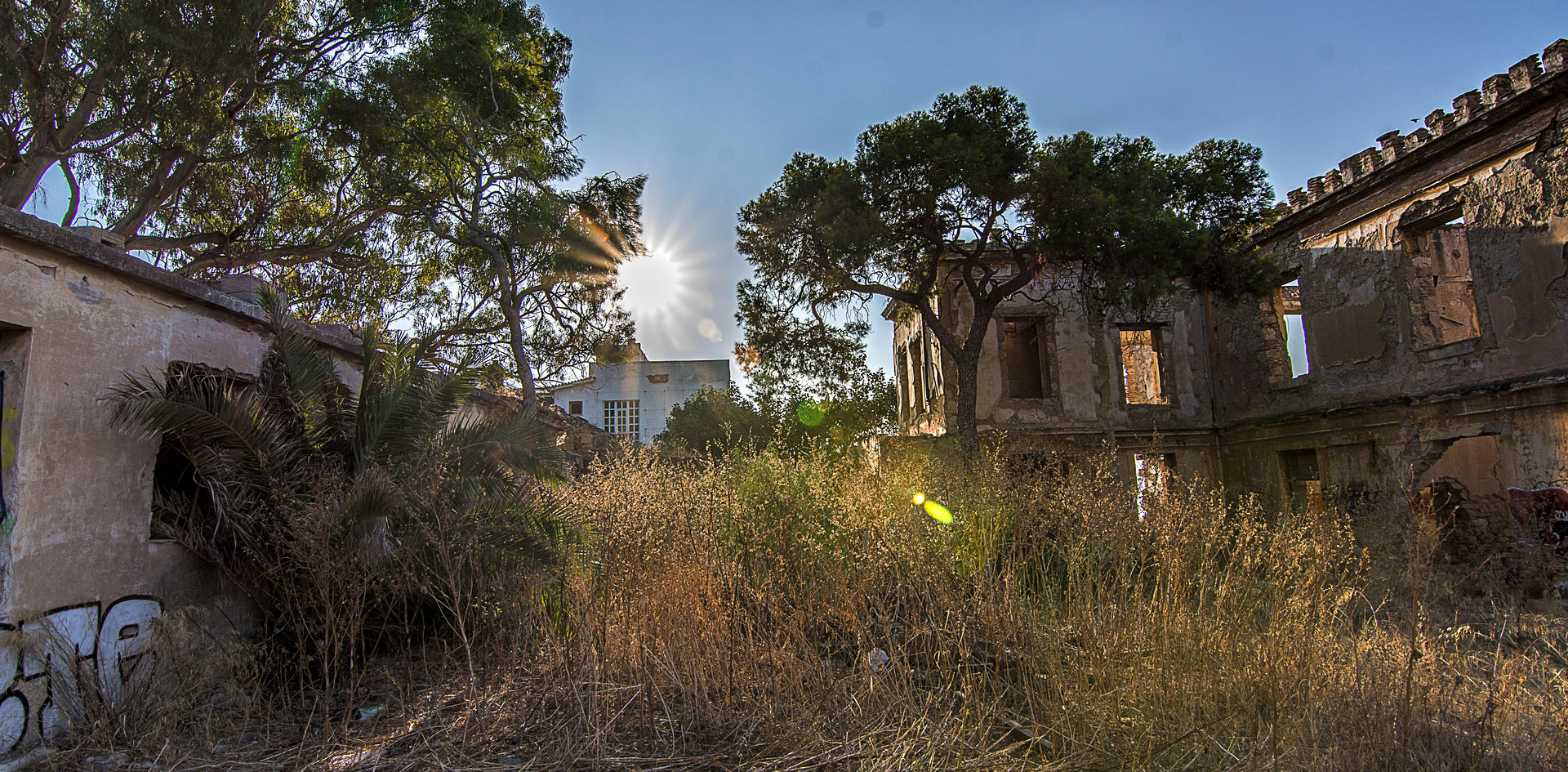 Έπαυλη Μαυρομιχάλη - Το Στοιχειωμένο σπίτι της Καστέλλας