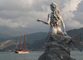 Ανθρωποθυσίες στους θεούς του νερού. Από τον Ποσειδώνα και τις Σειρήνες, στις Γοργόνες και το τέρας