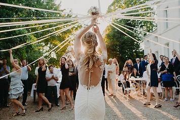 Lancée bouquet avec rubans