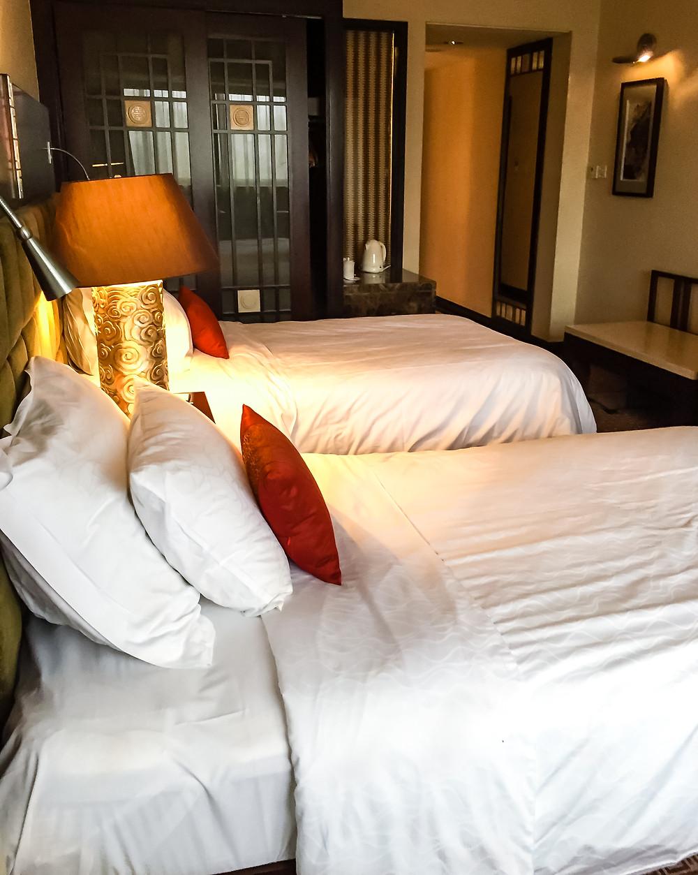 Dong Fang Hotel Room