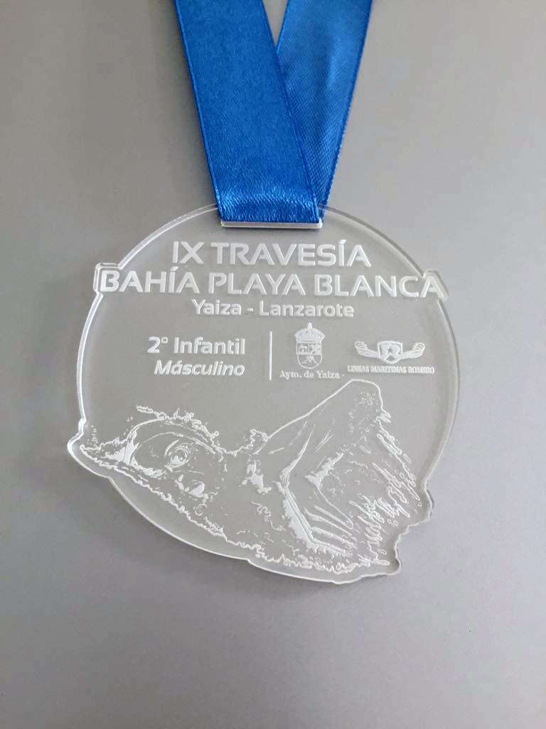 medalla_grabada_en_metacrilato_natación