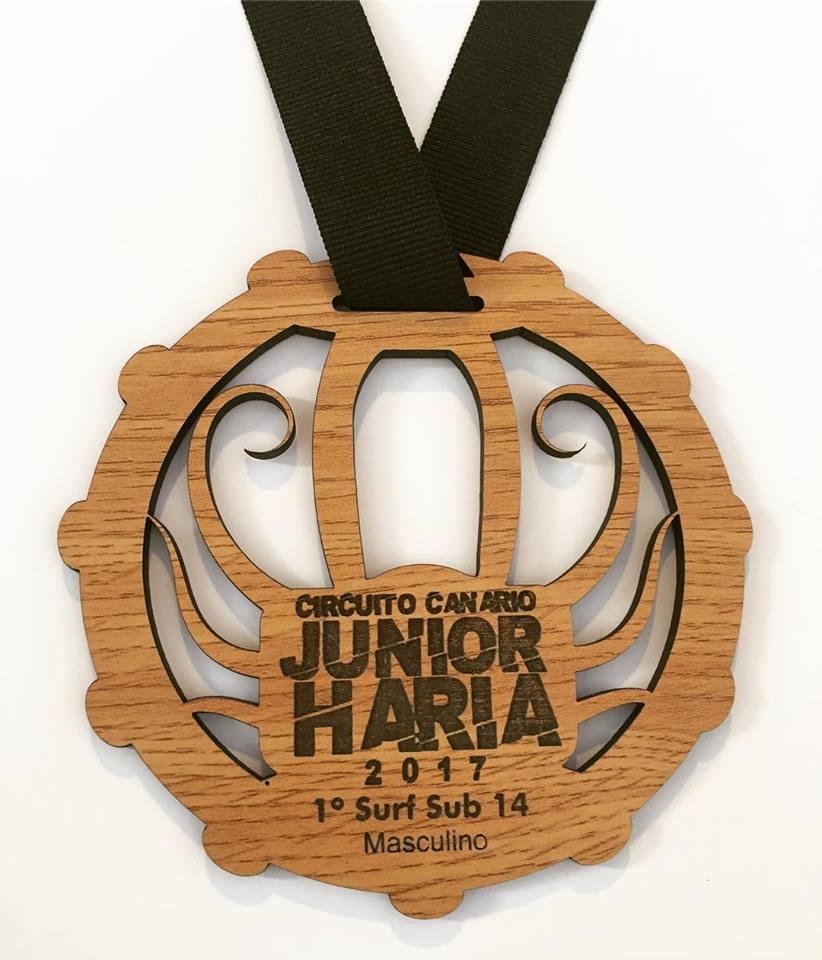 medalla en madera