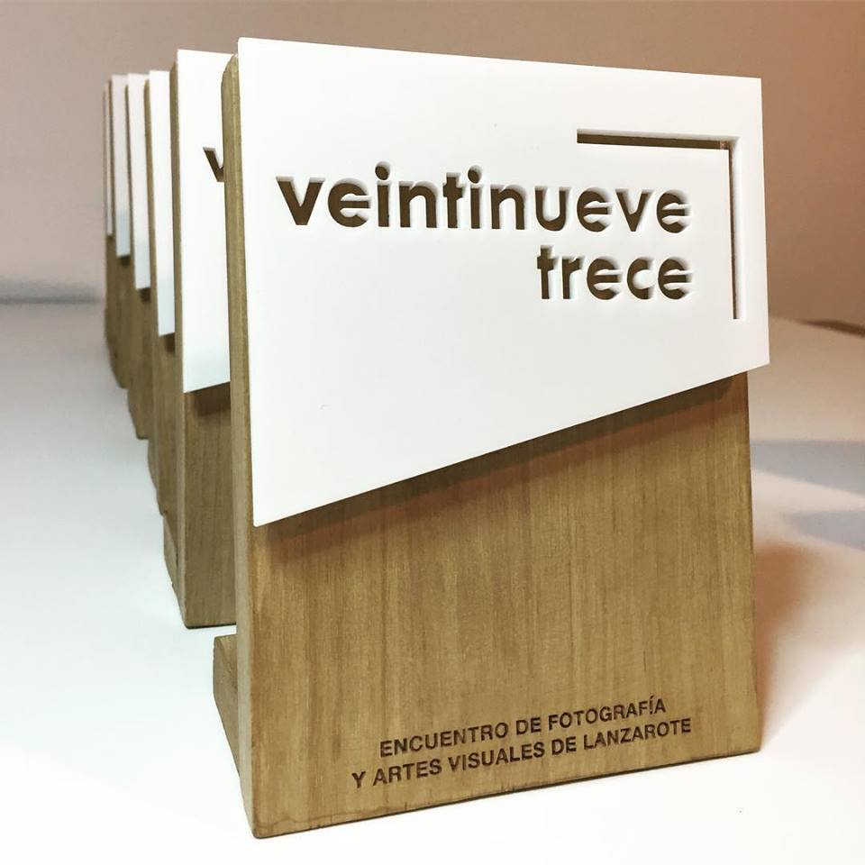 Trofeo en madera y metacrilato