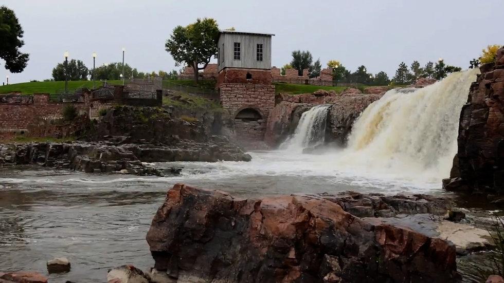 Falls-Park