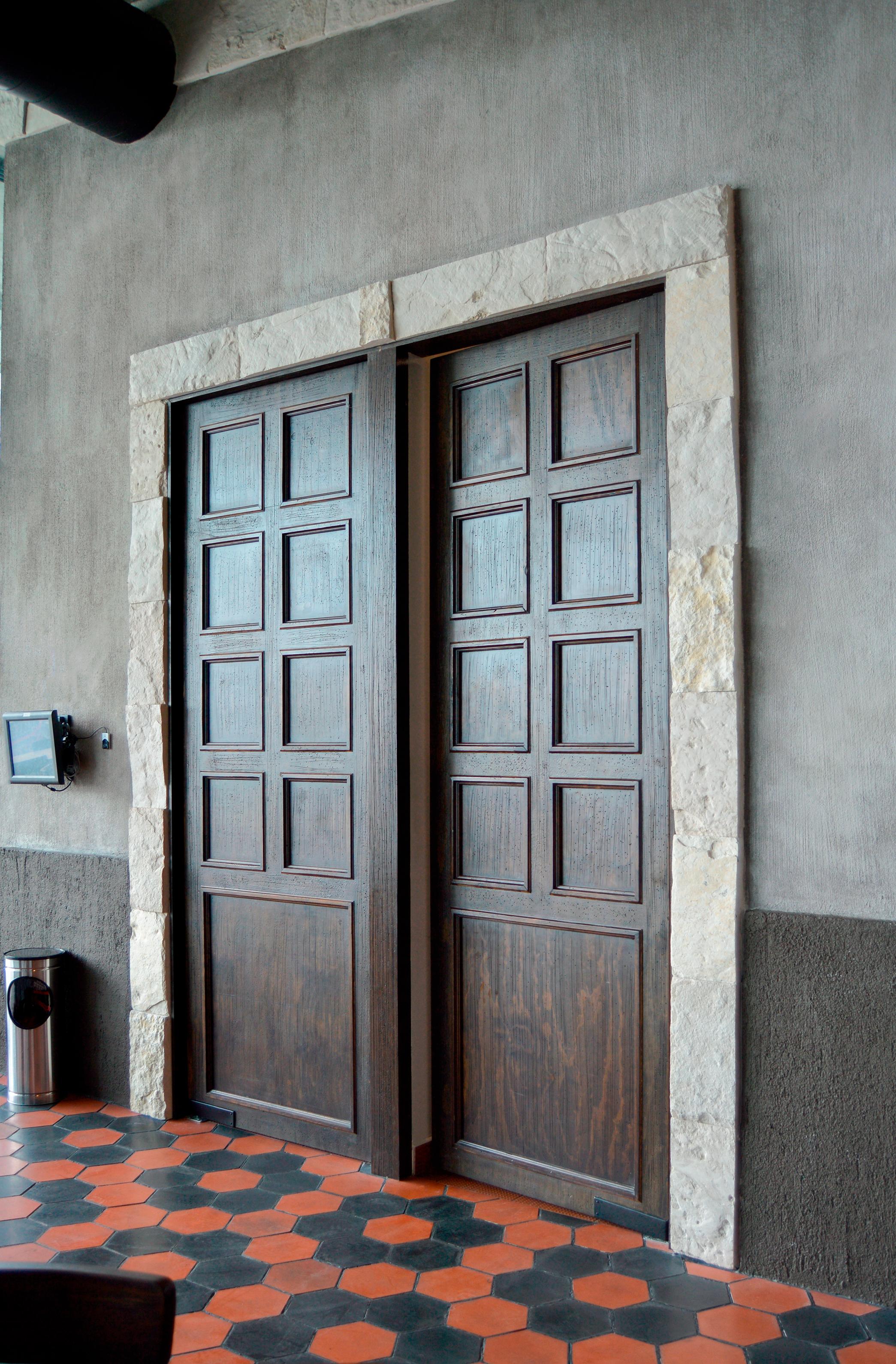 Puertas de Cocina en Madera de Pino