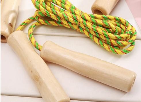 Springseil mit Holzgriffen für Kinder