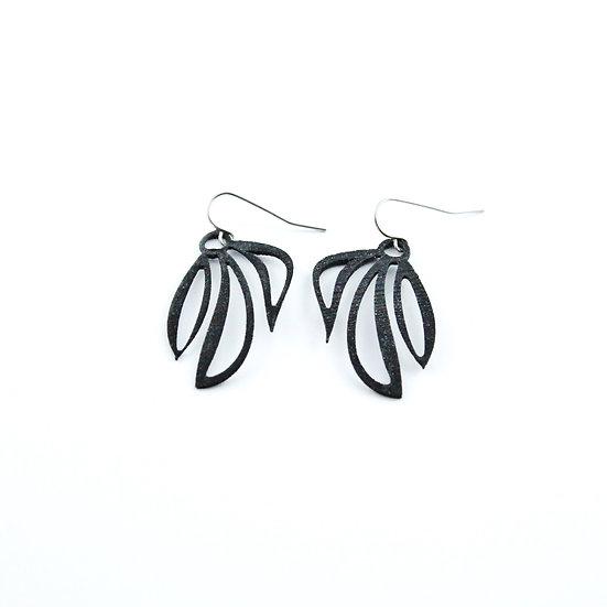 Leafy Earring Black