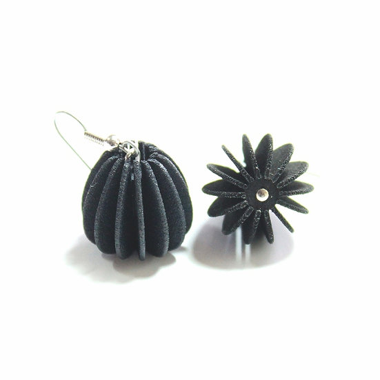 Ear Lollies Black