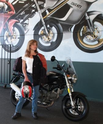 Rachel, Tigerracing, at shop