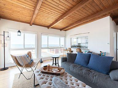120 Manhatten Beach Interior