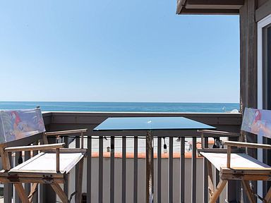 120 Manhatten Beach Exterior