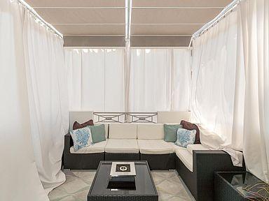 440 Manhatten Beach Interior