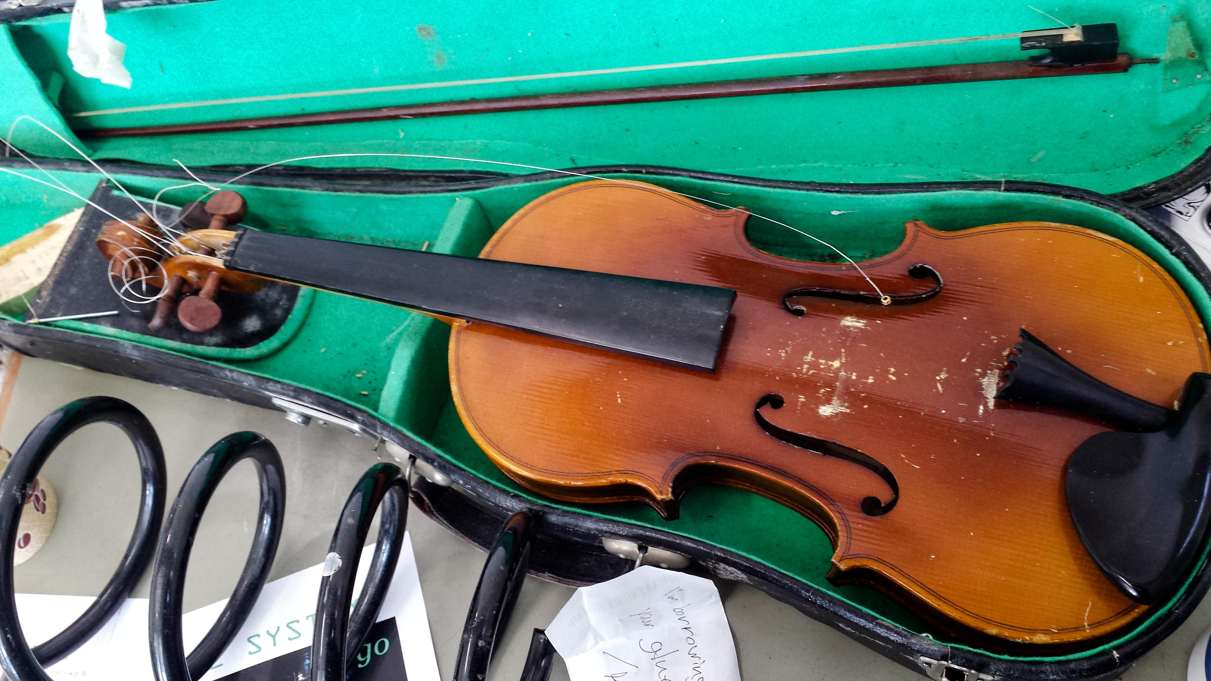 Violin Close