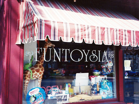 Funtoysia Toy Store glass window lettering