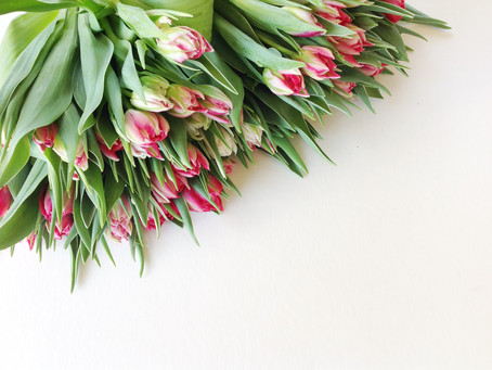 How to arrange a vase of tulips to make a real impact