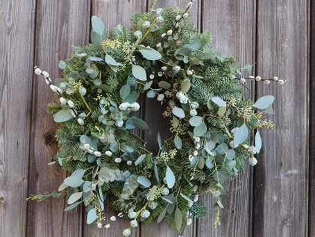 How to make a Christmas Wreath for your door