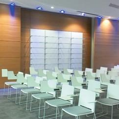 Stella agence une salle de conférence du Laboratoire Pierre Fabre...