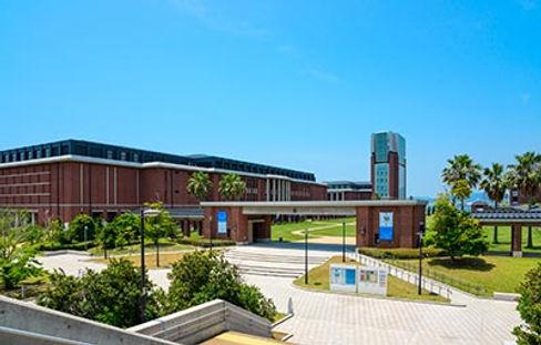 神戸学院大学や神戸女学院大学といった六甲道や阪急六甲エリアからも人気の入試対策もいい塾にお任せください。甲南女子大学の看護コースや幼児教育コースの対策も可能です。