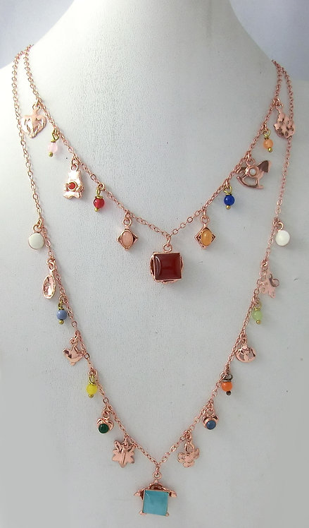 NECKLACE WITH CHARMS AND NATURAL STONES