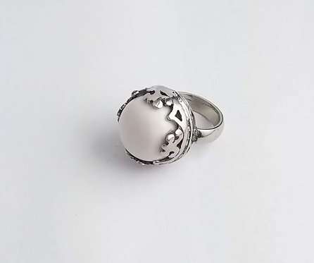 CLASSIC RING WITH WHITE AGATE