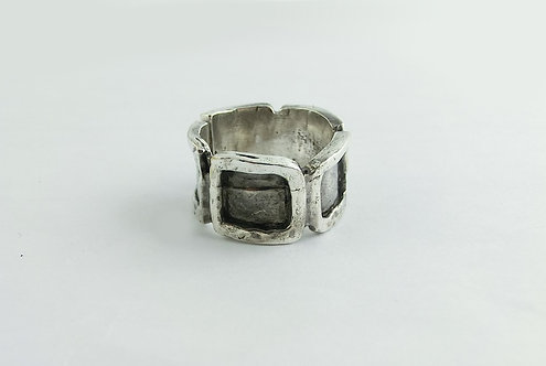 MAN RING WITH SQUARES