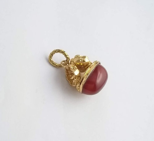 CHARM WITH CHAIN AND NATURAL STONES
