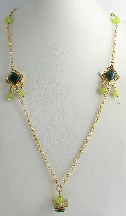 NECKLACE WITH ELEMENTS AND NATURAL STONES