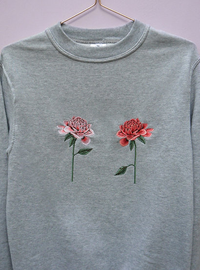 Oversized Embroidered Chrysanthemum Grey Jumper