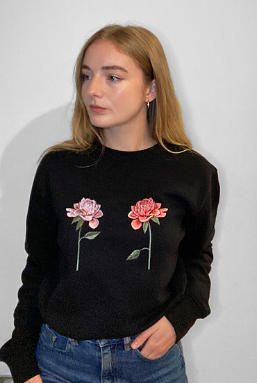 Oversized Embroidered Chrysanthemum Black Jumper
