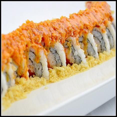 spicy crunrhy salmon roll.jpg