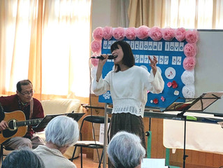 unconditional loveさんのニューイヤーコンサートを、認知症高齢者の施設で実施しました