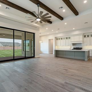 starwood-custom-homes-jones-residence-24.png