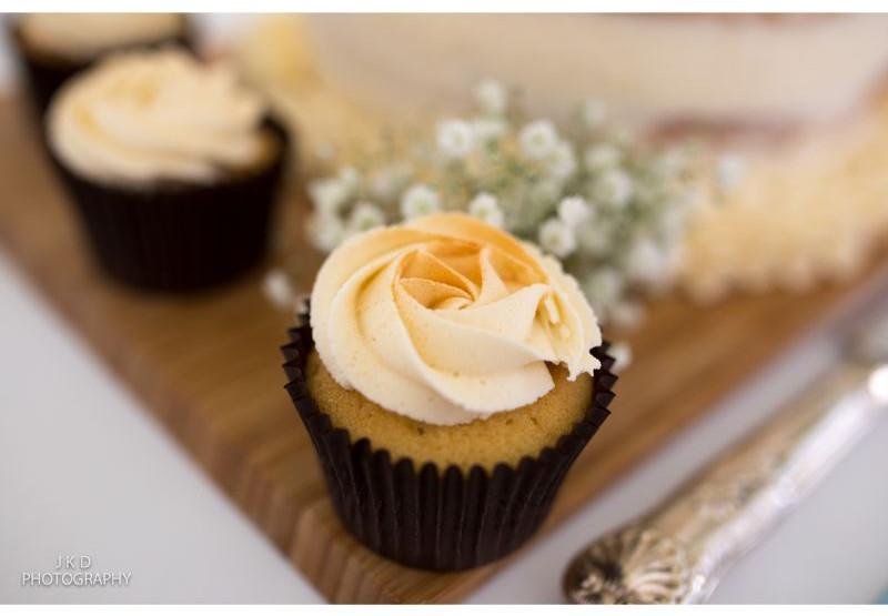 Clifden Arms Wedding Day-4.jpg