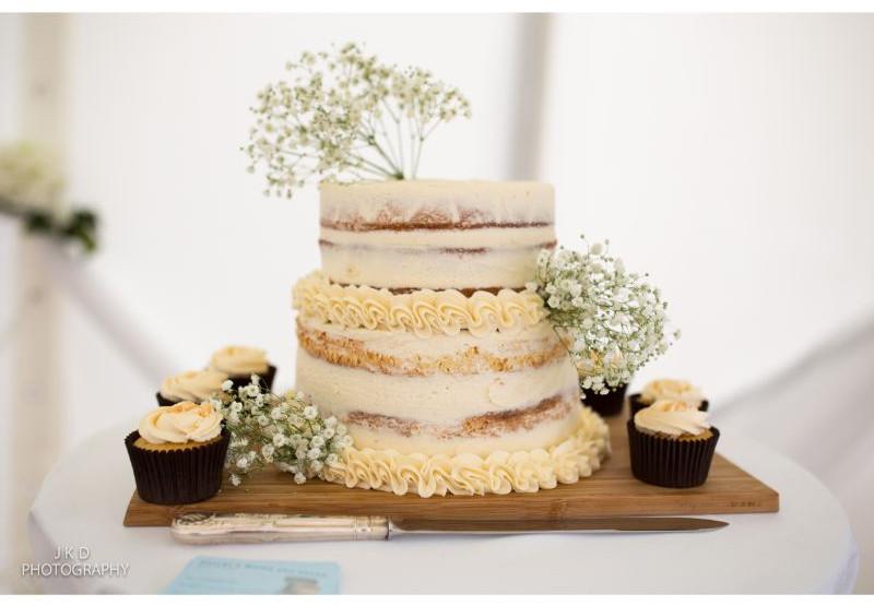 Clifden Arms Wedding Day-1.jpg