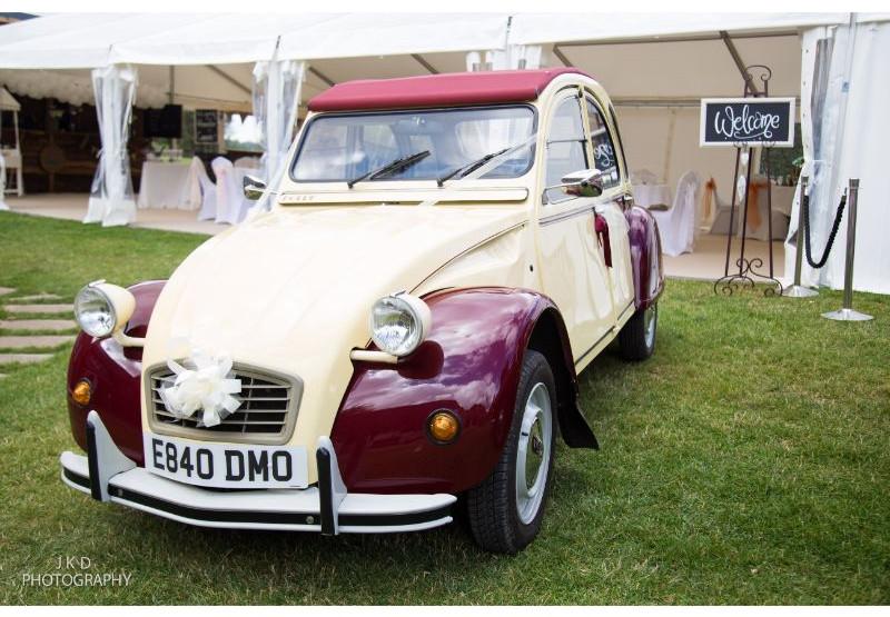 Clifden Arms Wedding Day-57.jpg