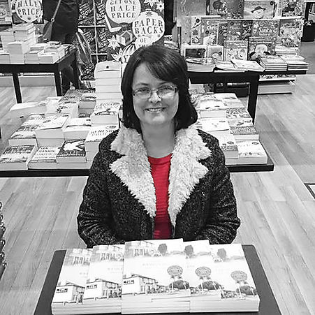 Lisa at book signing in Waterstones Basildon colour pop 15042015.jpg