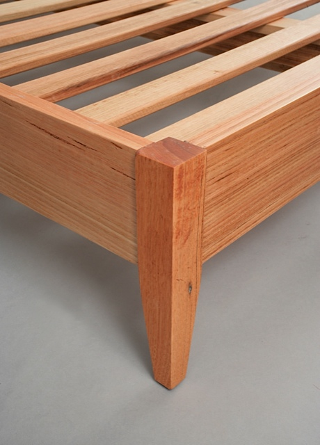 Classic Bed detail