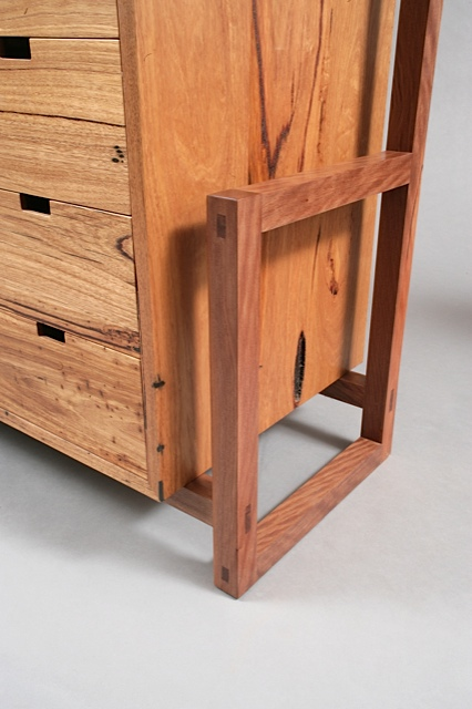 Exo Dresser detail
