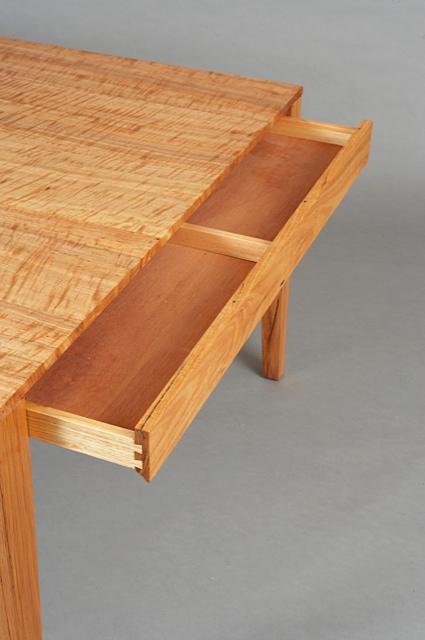 Flush Overhang Tables