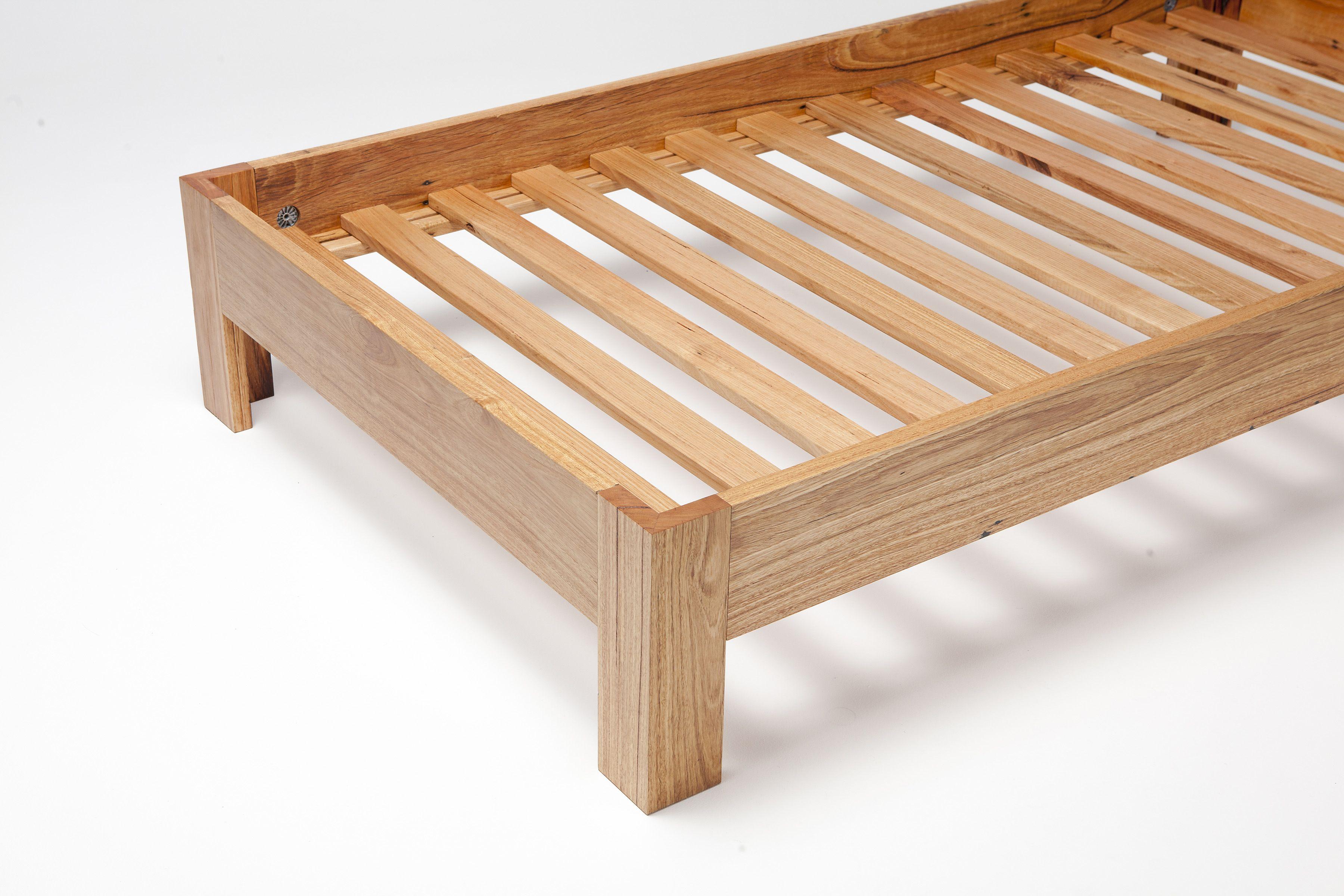 Mitre Leg Bed