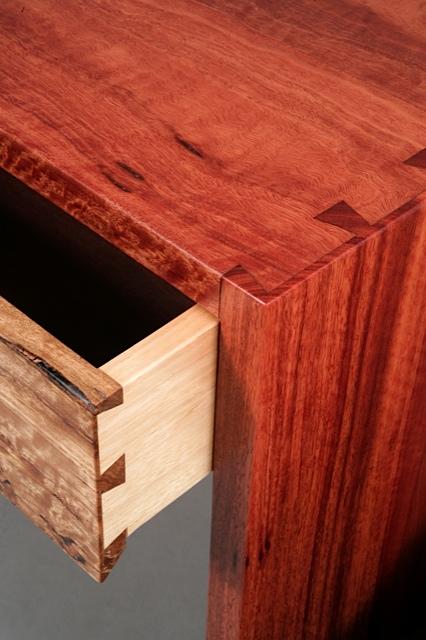 Dovetail Bedsides detail