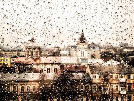Vê o tempo: chove graça de um céu de glória!