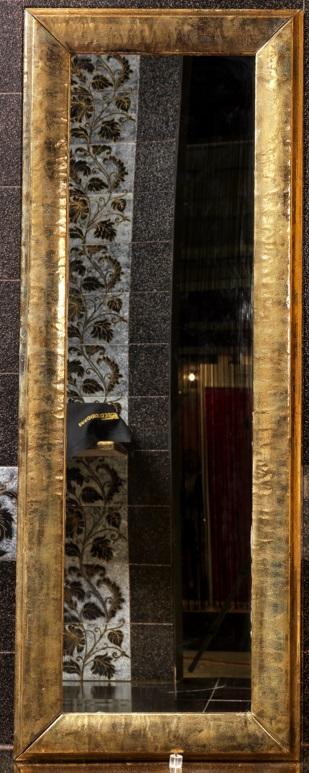 Specchio in pietra lavica