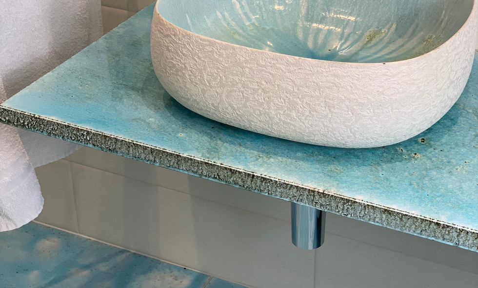 Seed canaletto washbasin internal sky, external concrete