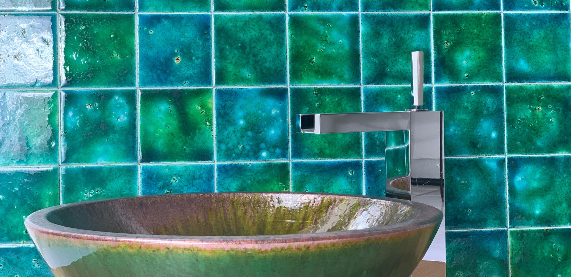 Lavabo in pietra lavica - smaltato verde iLava ilP52 e ossidazione su bordo