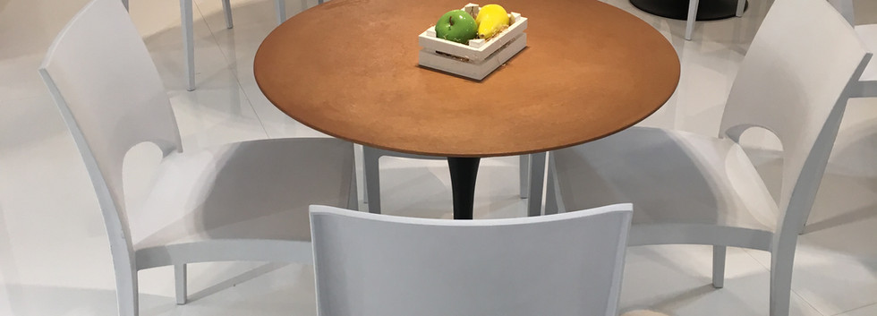 Svasà Bronce Table