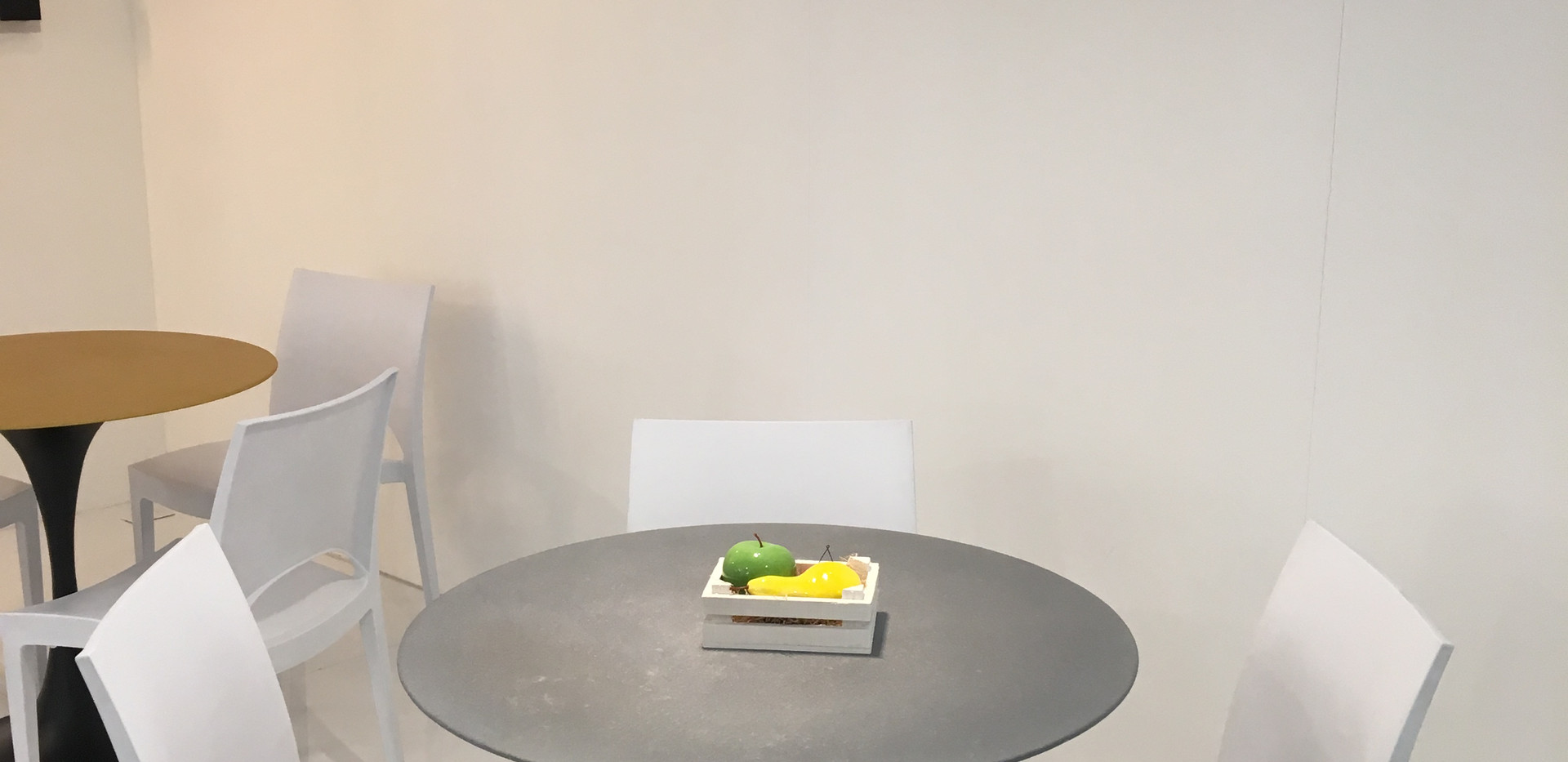 Svasà Silver Table