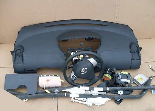Торпедо Тойота Ярис 3.Toyota Yaris 3
