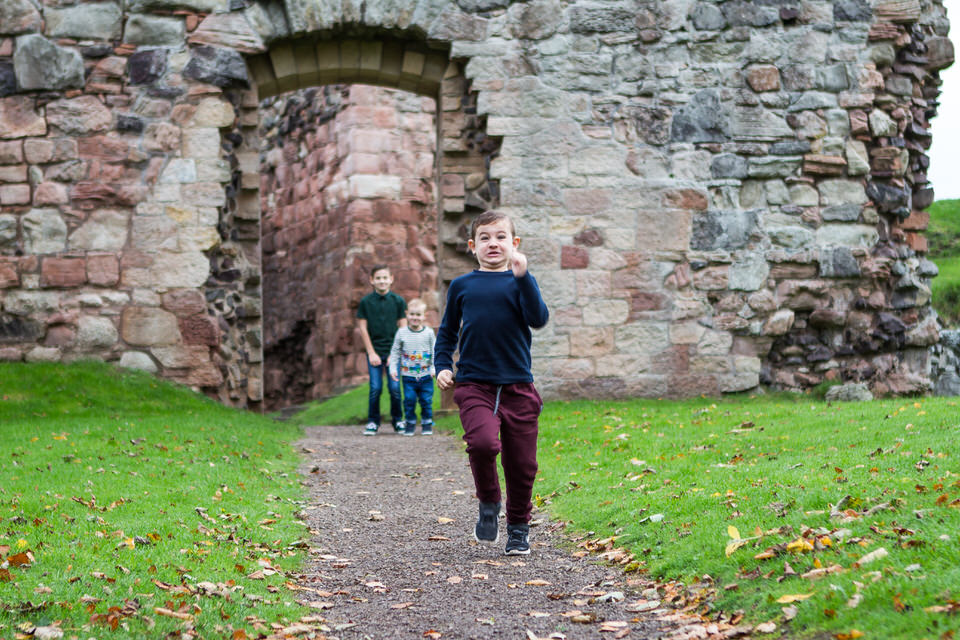 hailes castle family photo